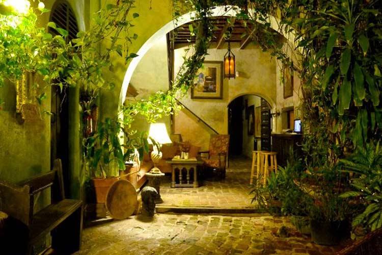 Entrance - The Gallery Inn - San Juan