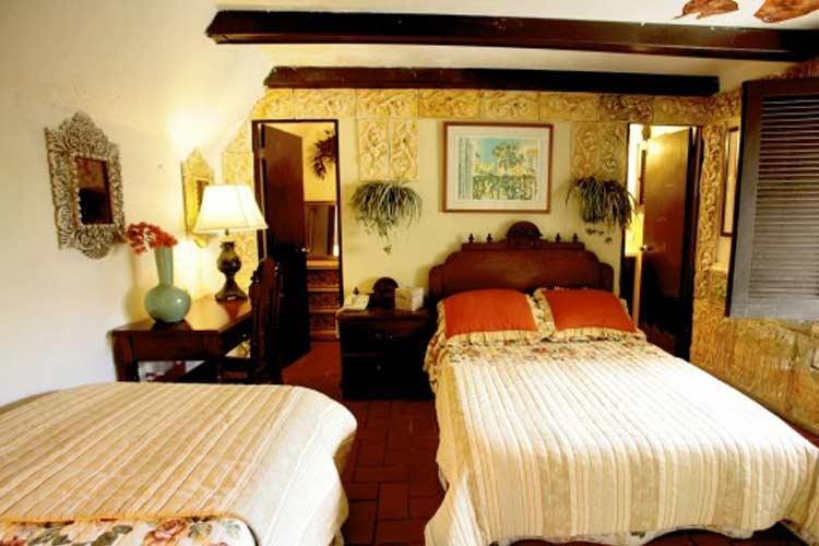 Colonial Room - The Gallery Inn - San Juan