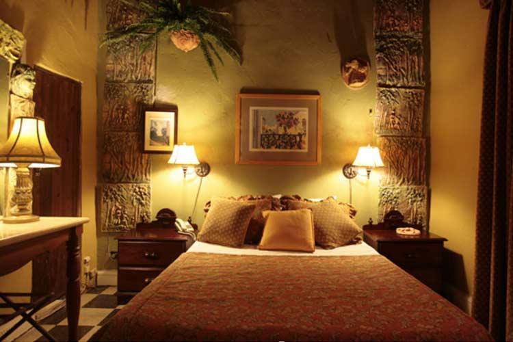 Family Room - The Gallery Inn - San Juan
