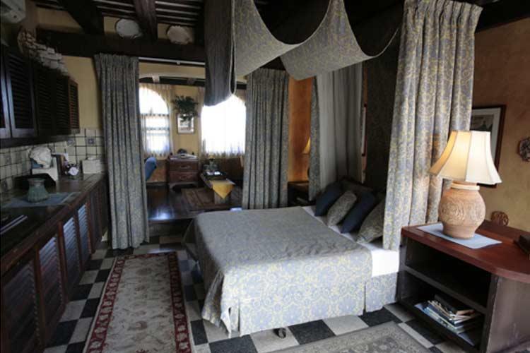 Top Side Suite - The Gallery Inn - San Juan
