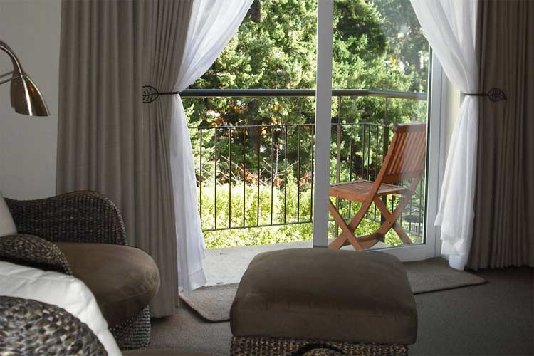 Deluxe Room Balcony View - Central Ridge Boutique Hotel - Queenstown