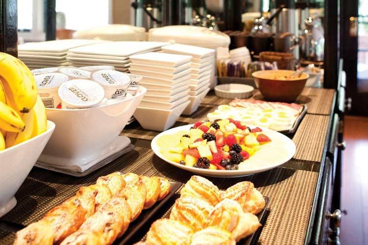 Complimentary Breakfast - Gaige House - Glen Ellen