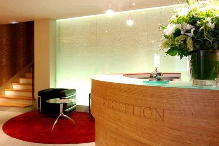 Front Desk - Artus Hotel - Paris