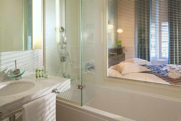 Bathroom - Artus Hotel - Paris