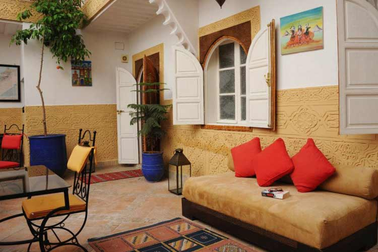 Relax with a Book in the Courtyard - Riad Shaden - Marrakech