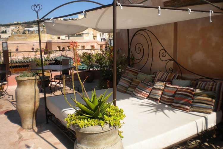 Baldaquin Bed on the Terrace - Riad Laaroussa - Fes