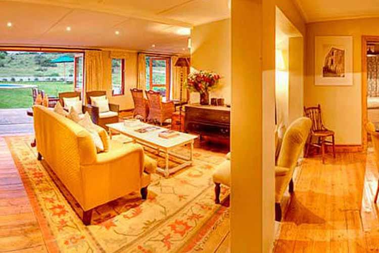 Long Hope Villa Living Room - RiverBend Lodge - Addo
