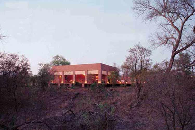 Mantobeni Facade - Honey Guide Camp - Kruger National Park
