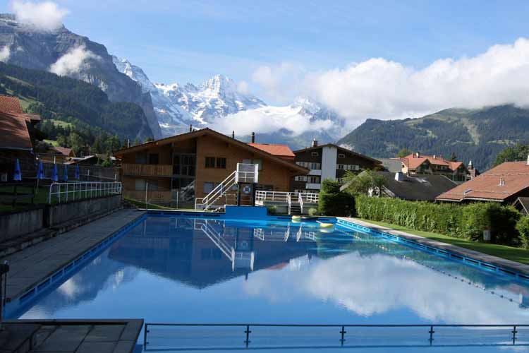 Village Swimming Pool - Caprice Hotel - Wengen