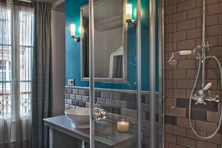 Double Twin Standard Bathroom - Le Robinet d'Or - Paris