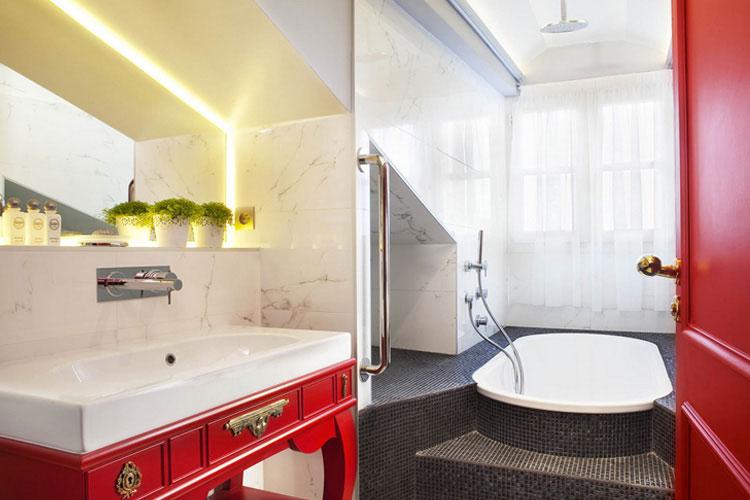 Duplex Bathroom - La Maison Favart - Paris