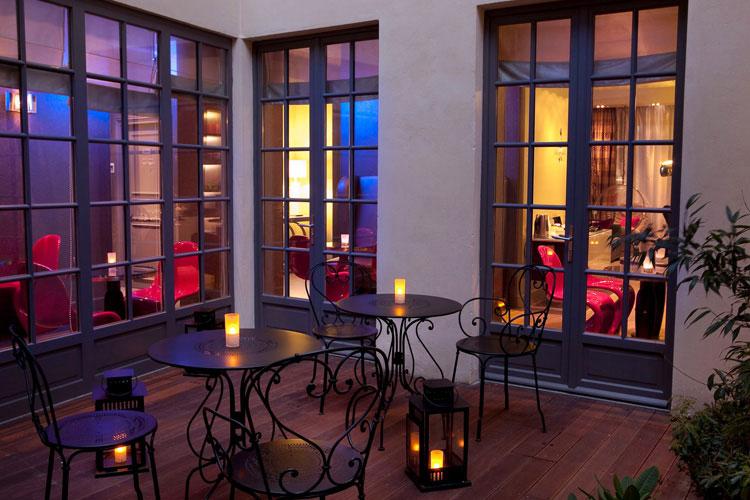 Courtyard - Hotel Le Petit Paris - Paris