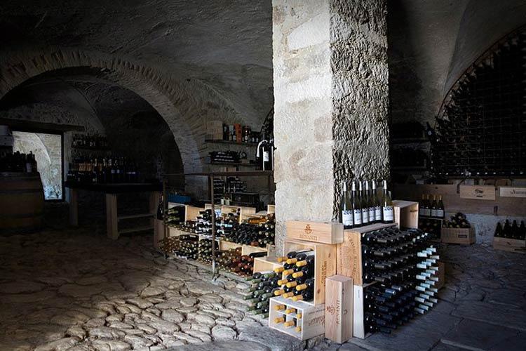 Wine Cellar - Casadonna Reale - Castel di Sangro