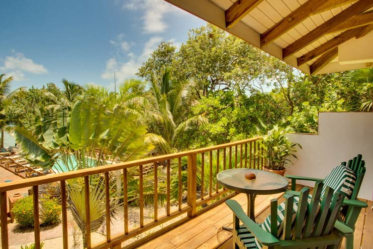 Classic Vista Double Room - Robert's Grove Beach Resort - Placencia