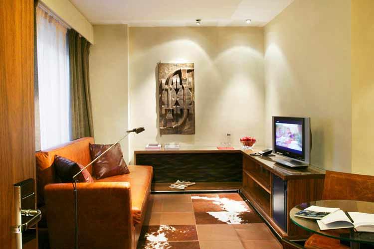 De Luxe Room Living - Gran Derby Hotel - Barcelona