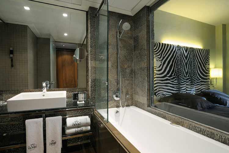 De Luxe Room Bathroom - Gran Derby Hotel - Barcelona