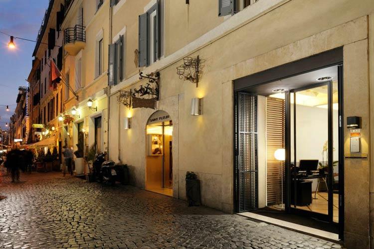 Mario de 39 fiori 37 a boutique hotel in rome for Boutique rome