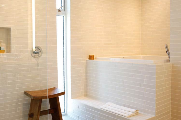 Suite Bathroom - H2 Hotel - Healdsburg