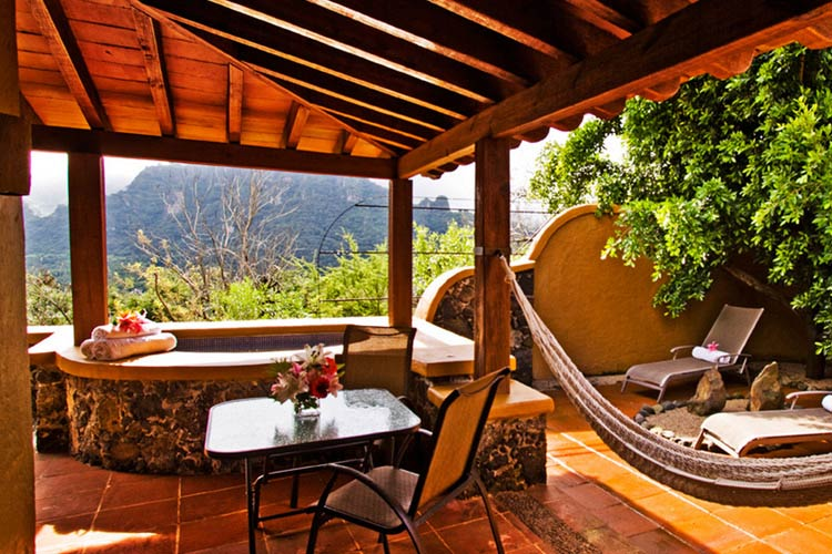 Hostal de la luz a boutique hotel in tepoztl n for Small great hotels