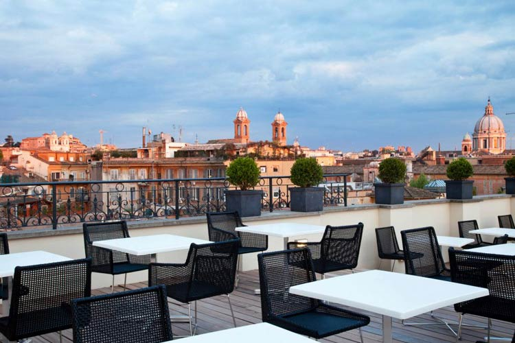 The first luxury art hotel roma a boutique hotel in rome for Great small luxury hotels
