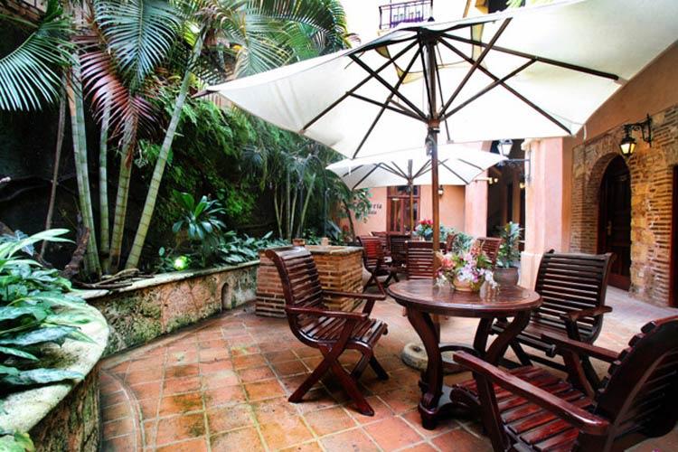 Courtyard - Boutique Hotel Palacio - Santo Domingo