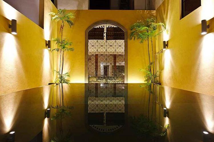 Courtyard - Colombo Courtyard - Colombo