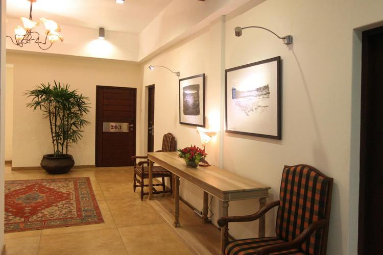 Corridor - Colombo Courtyard - Colombo