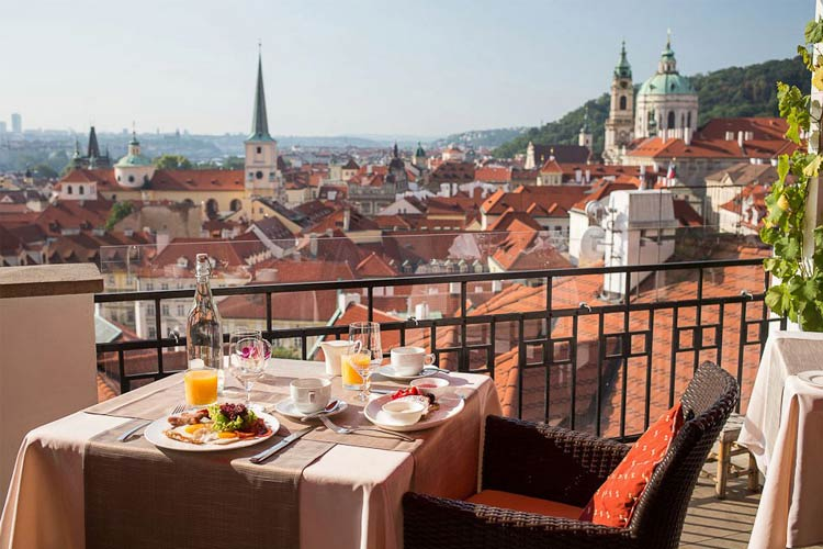 Golden well hotel a boutique hotel in prague for Great small hotel