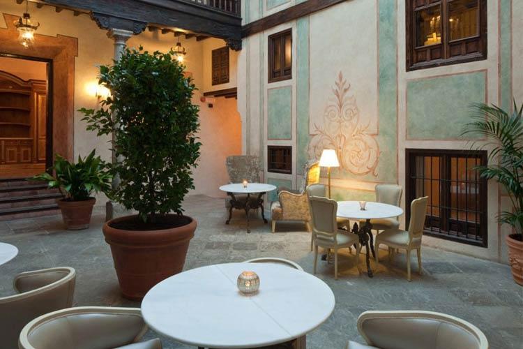Hotel casa 1800 granada a boutique hotel in granada for Best boutique hotels granada