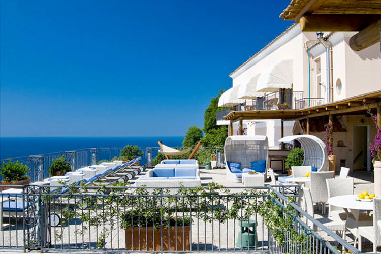 Hotel margherita a boutique hotel in amalfi coast for Great small hotels italy