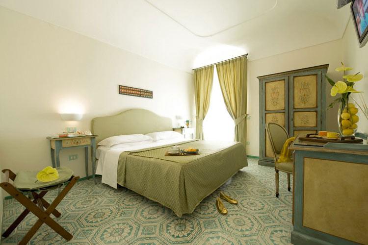 Classic Double Room - Hotel Margherita - Costa Amalfitana