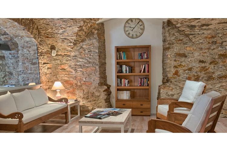 Living Room - El Petit Convent - Costa Brava