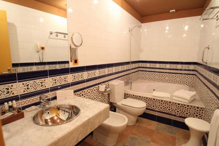 Bathroom - Hotel de la Moneda - Costa Brava