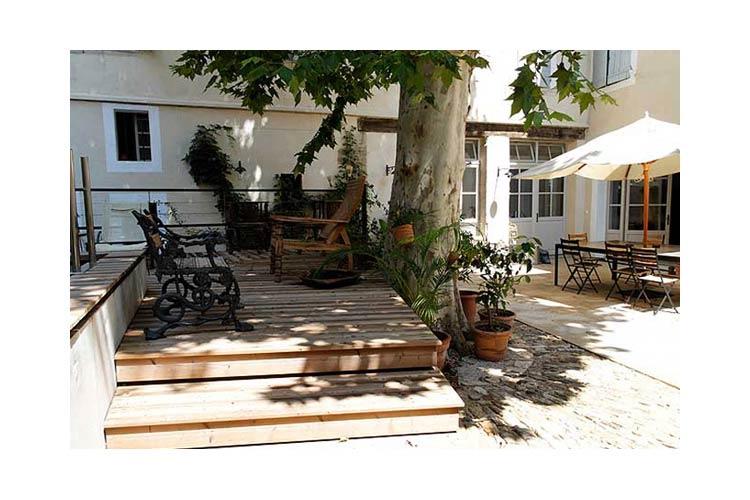 la maison sur la sorgue ein boutiquehotel in provence alpes c te d 39 azur. Black Bedroom Furniture Sets. Home Design Ideas