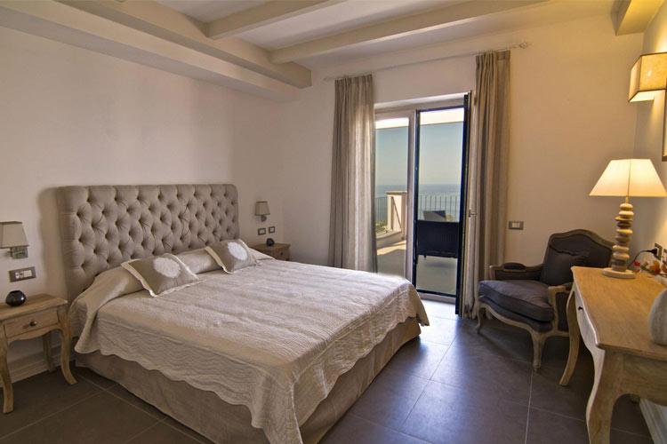 Classic Double Room - Tenuta del Poggio Antico - Capri, Ischia und Procida