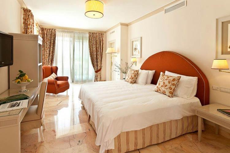 Premium Double Room - Garden & Villas Resort - Capri, Ischia und Procida