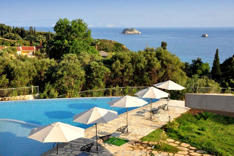 Pool and View - Leivatho Hotel - Svoronáta