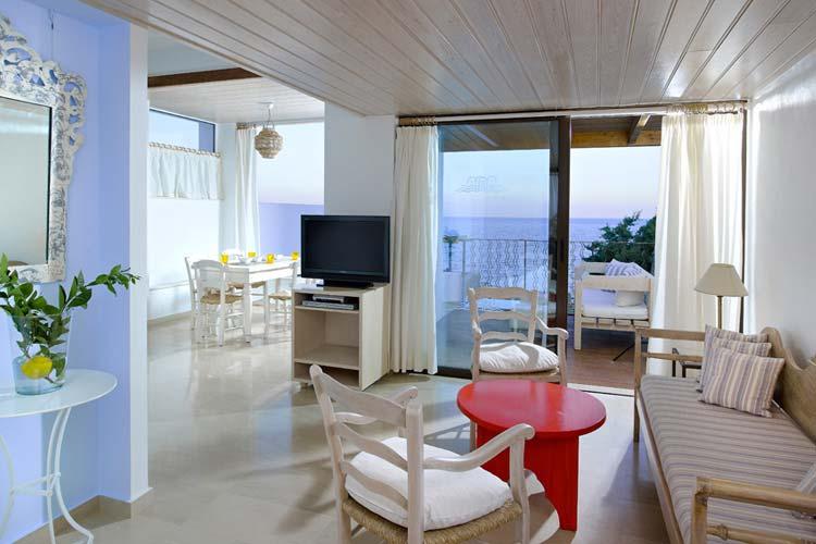 Helios Lounge - Thalassa Villas - Agios Nikolaos