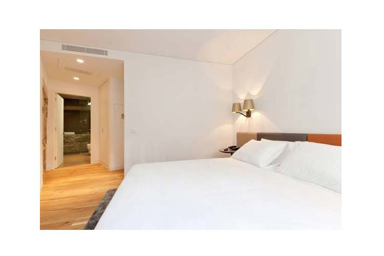 Standard Double Room - In Patio Guest House - Oporto