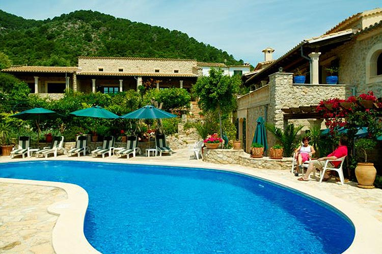 Hotel can furios ein boutiquehotel in mallorca for Great small hotel