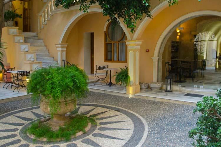 Courtyard - Casa Delfino - Chania