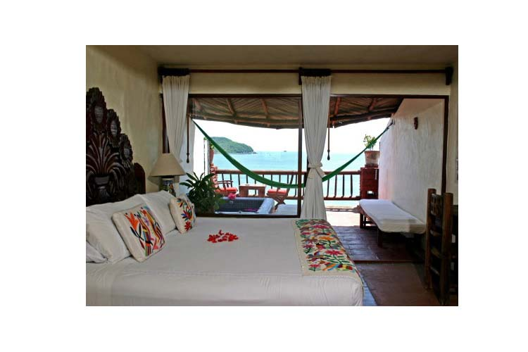 Junior Suite with Jacuzzi - Hotel Aura del Mar - Zihuatanejo