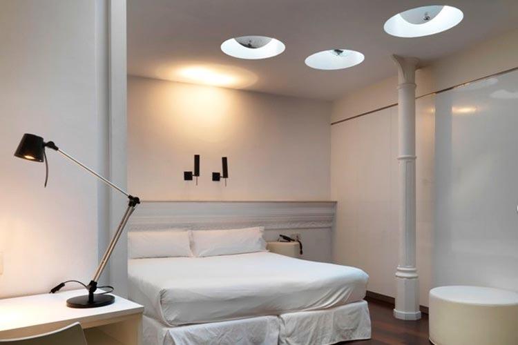 Standard Double Interior - Chic & Basic Born - Barcelona