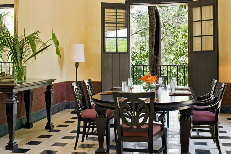 Dining Room - The Hacienda Uayamon - Uayamón