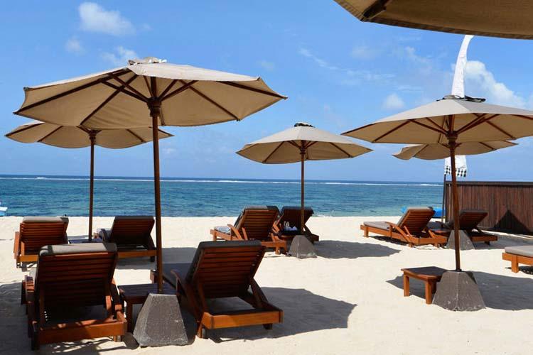 Beach Club at Geger Beach - The Balé - Nusa Dua