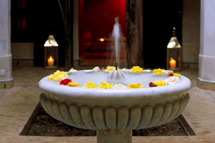 Riad Kaiss Fountain - Dar Les Cigognes - Marrakech