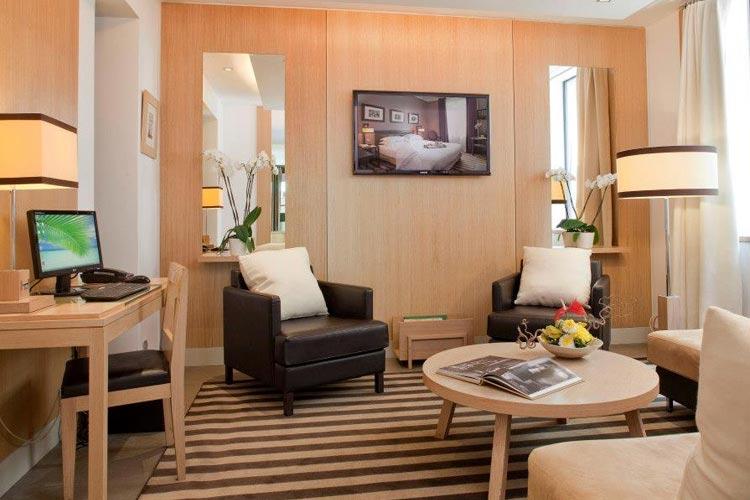 Multimedia Room - Hotel Duret - Paris