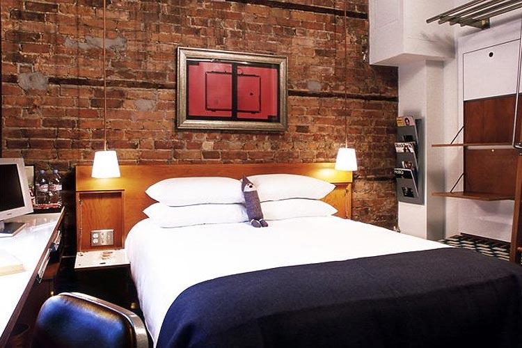 Crash Pas Room - Drake Hotel - Toronto