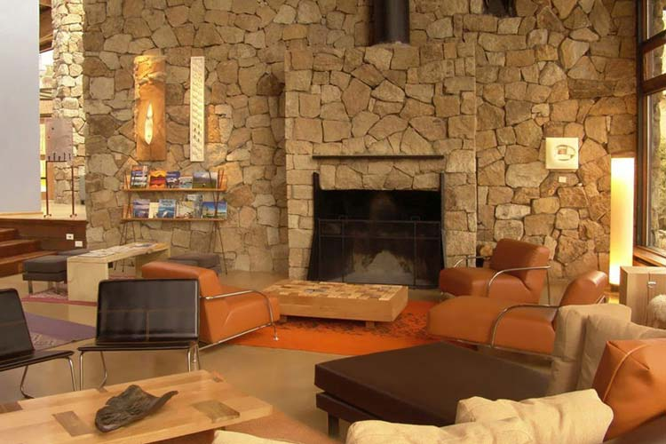 Fireplace - Design Suites Bariloche - San Carlos de Bariloche
