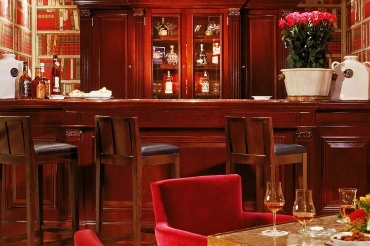 Bar - Hotel François 1er - Paris